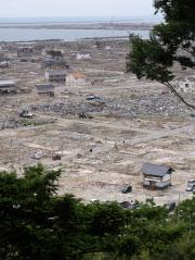 宮城県石巻市南浜町の被災地(山の上から撮影)