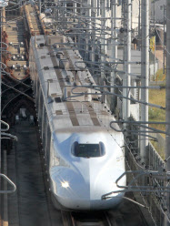 沿線各県に多大な効果をもたらした九州新幹線(佐賀県鳥栖市)
