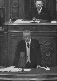 戦時議会で政調会長、幹事長に ...