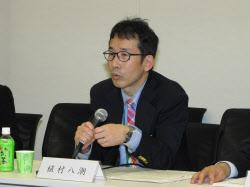 著作権法改正試案について説明する、出版デジタル機構代表取締役の植村八潮氏
