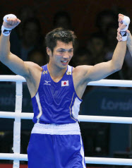 ボクシング村田、日本選手48年ぶ...