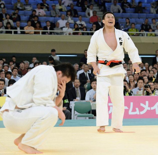 穴井、4年ぶりV花道に引退 全日本柔道男子格闘技 一覧