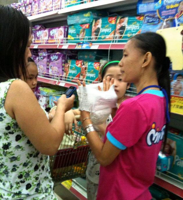 ユニ・チャームのベトナムでのシェアは41%で2位以下を10ポイント以上引き離す(ベトナムの量販店)