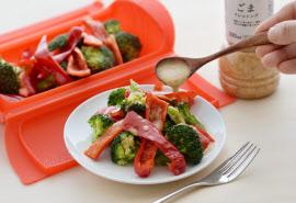 ゴマのソースと温野菜の組み合わせが乾燥対策に効果があると言われている
