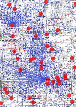 犠牲者の自宅と死亡場所を線で結んだ=東京大空襲・戦災資料センター、すみだ郷土文化資料館提供