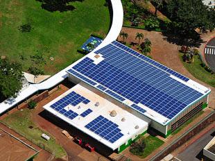 米ハワイ州、公立校すべてに太陽...