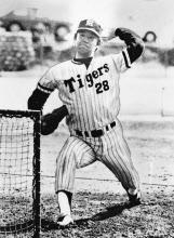 江夏は阪神時代、160キロ近い速球を投げていたとみられる(75年2月)