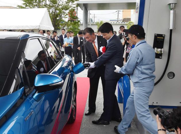 商用としては国内初となる「尼崎水素ステーション」(14日、兵庫県尼崎市)