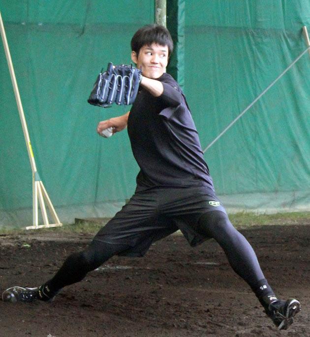 藤浪がブルペン入り 阪神、沖縄合同トレーニング開始