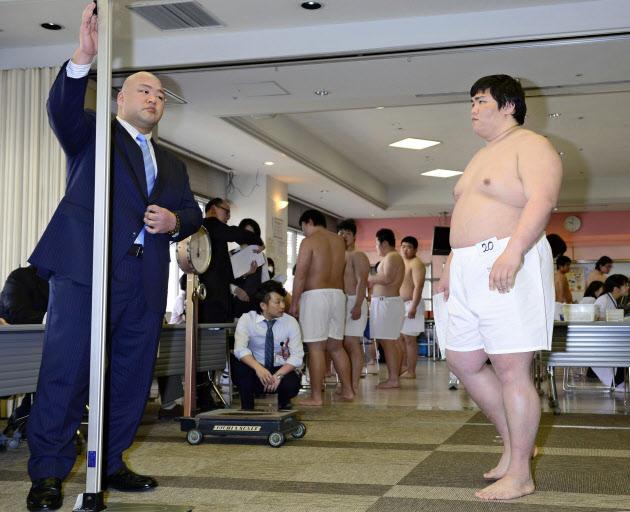 関学大の宇良ら通過 大相撲新弟子検査、43人全員パス