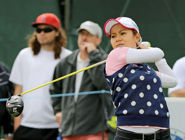 宮里藍と横峯、暫定33位 米女子ゴルフ第1日
