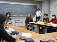 河合塾は環境をテーマに英語と小論文を学ぶ講座を開いた(東京都新宿区)