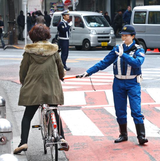 危険な自転車に講習義務 改正 ...