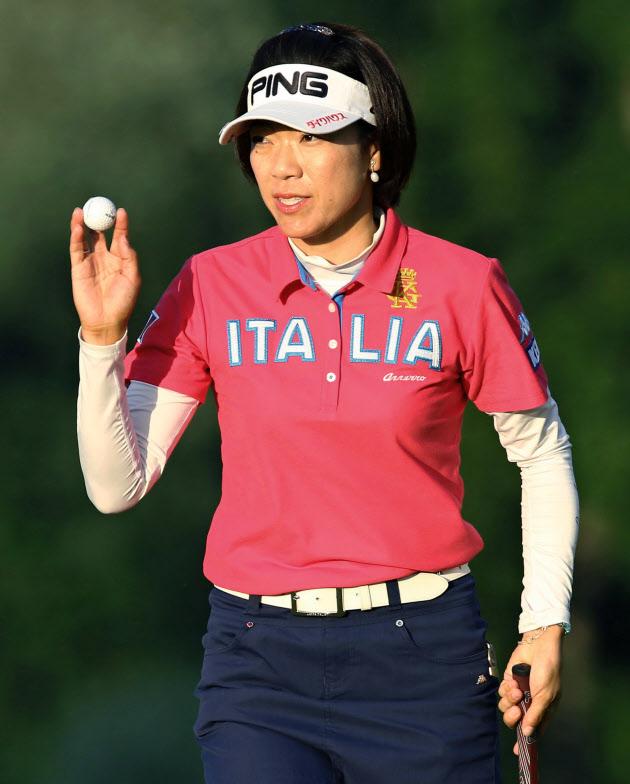大山2位浮上、葭葉は5位 全米女子ゴルフ第モンクレール 店舗 大阪2日