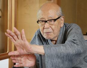 俳人・金子兜太氏 「戦争の悪」...
