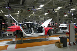 将来は年間50万台のEVを生産できるようにする(カリフォルニア州の工場)