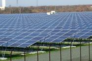 太陽光パネルや工事費用の下落を反映した