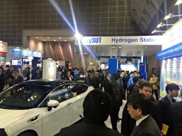 3月に東京都内で開かれた展示会でも、水素インフラ関連のブーズには人だかりができていた