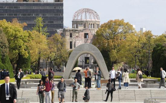 「原爆ドーム・平和公園」の画像検索結果