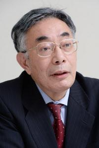 八代尚宏氏はこれまで労働市場改革の議論を主導してきた
