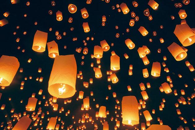 チェンマイ・イーペン祭り 日程 2016年11月13日~15日