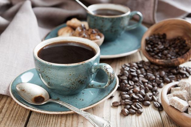 """「コーヒー悪者説」はどのように生まれ覆されたか                                         """"コーヒー悪者説""""が覆された歴史――東京薬科大学名誉教授 岡 希太郎さんに聞く【後編】"""