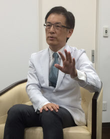 西田亙(にしだ・わたる)医学博士・糖尿病専門医 1962年、広島市生まれ。88年、愛媛大学医学部卒業。93年、同大学大学院医学系研究科を修了し、医学博士を取得。大阪大学での基礎研究生活を経て2012年に、にしだわたる糖尿病内科を開院。「社会病」である糖尿病の予防を啓発することを使命としている。医科歯科連携の重要性を伝えるために全国各地でセミナーや講演を実施している。