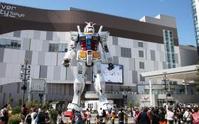 東京・お台場に展示された実物大ガンダム