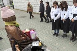 釜山の少女像撤去「反対」78% 韓国世論調査