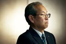 ウエスチングハウスの破産法の適用申請について記者会見する東芝の綱川社長(29日午後、東京都港区)
