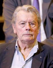 アラン・ドロンさん引退へ 81歳...