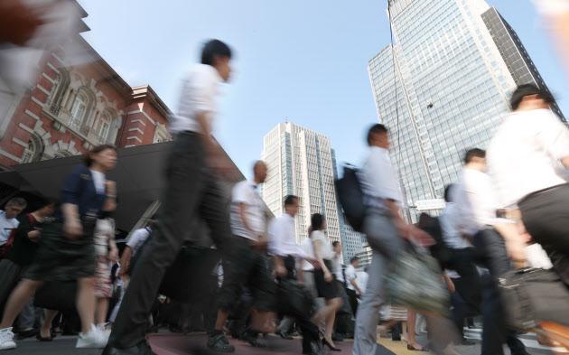 6月の名目賃金0.4%減 1年1カ月ぶりマイナス