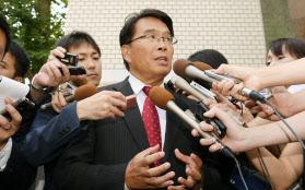 福田氏、自民に離党届 民進・松...