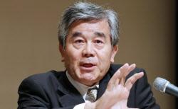 記者会見する日本取引所自主規制法人の佐藤隆文理事長(11日午後、東京都中央区)