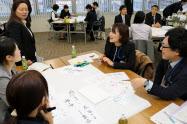 出席者からは「上司とコミュニケーションを取ることが最も大事」という意見が出た(長野市の日本公庫長野支店)