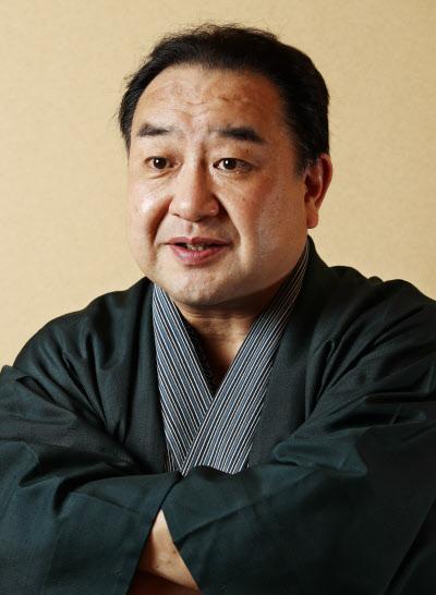 なかむら・がんじろう 1959年京都生まれ。67年東京・歌舞伎座で中村智太郎を名のり初舞台。95年五代目中村翫雀を襲名。2015年大阪松竹座「廓(くるわ)文章」の伊左衛門などで四代目中村鴈治郎を襲名。長男は中村壱(かず)太郎。
