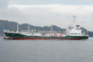 2017年11月に就航した三菱ケミカル物流のLPG船「第八菱顕丸」。炭素繊維製のスクリューで効率よく運航できる
