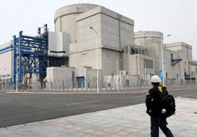中国で初めて開発された商用原子炉が建つ浙江省海塩県は「原子力」をテーマに成長を目指す=AP