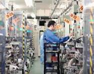 福井村田製作所ではコンデンサーの増産基調が続く(福井県越前市)