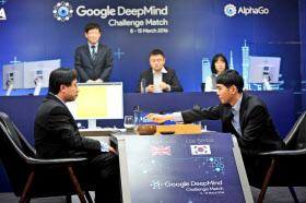 世界トップ級の棋士を破ったAI「アルファ碁」を開発したディープマインドは、医療分野でAI活用の道を探る=ロイター