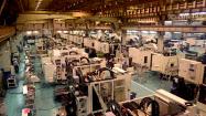 活況が続く工作機械業界(牧野フライス製作所の厚木事業所)