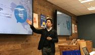 2018年の戦略について発表するフェイスブックジャパンの長谷川晋代表(14日、東京・港区)