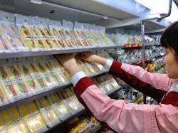 サンドイッチの主力品の賞味期限を3割伸ばして発売する(都内のセブン―イレブン)