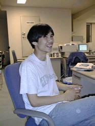 98年に舞鶴から大阪へ進出。はじめは20坪(約70平方メートル)の小さな事務所だった
