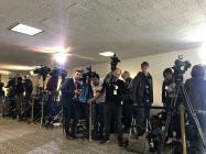 世界中からメディアが集まってきた(10日、ワシントン)