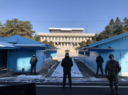 北朝鮮軍兵士による亡命事件の後、厳しい警備体制が続いていた板門店(2017年12月)=テレビ東京提供