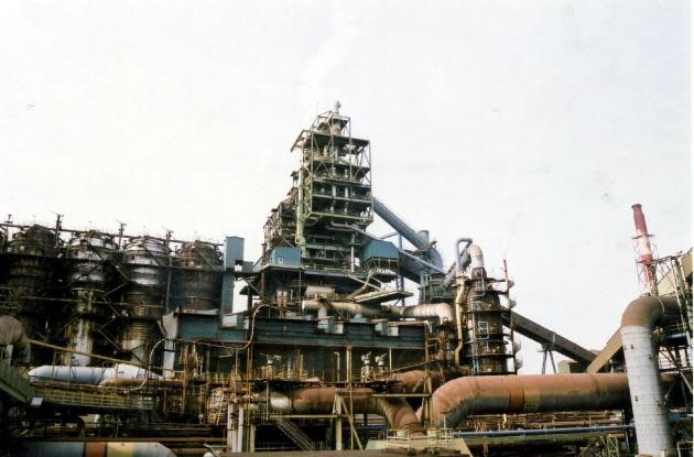 <東証>日新製鋼が大幅高 株式交換で「割安」、値幅取りの買い のTwitterの反応まとめ