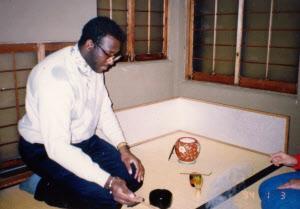 京都で暮らすようになって茶道も学んだ(1994年)