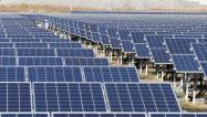 太陽光は天候で発電量が変わるため安定供給が課題