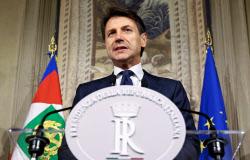 イタリアの新首相に指名されたコンテ氏(5月31日、ローマ)=ロイター